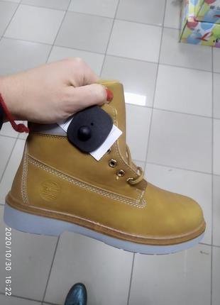Женские ботинки на меху теплые