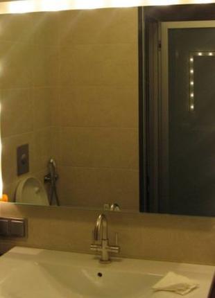 Услуга повесить зеркало в ванной Киев