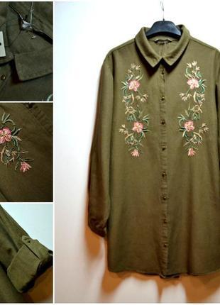 Новая удлиненная рубашка с вышивкой цветы хаки цвета