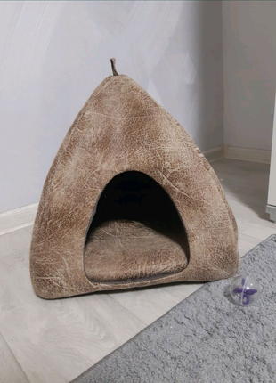 Очень стильный кошачий домик