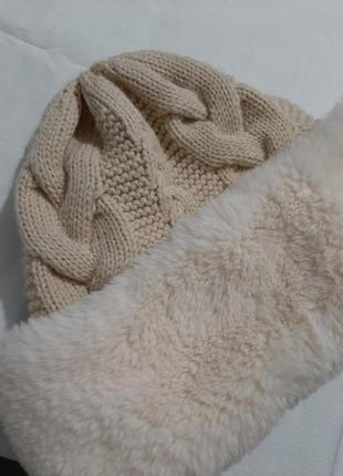 Зимняя вязаная шапка с искусственным мехом