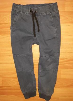 Мягкие джинсы джоггеры h&m на 4-5 лет