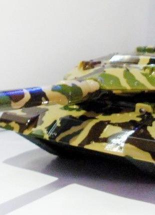 Портативная радио колонка танк