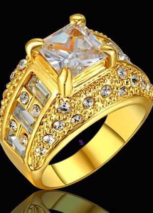 """Королевское золотое кольцо перстень """"Стинг с кристальными камнями"""