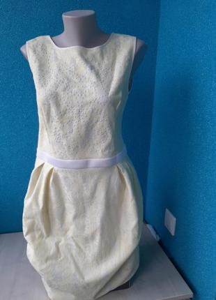 Стильное фирменное женское платье кружево