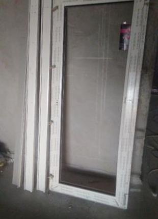 Дверь Rehau или металлопластиковую раму