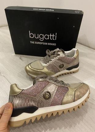 Кроссовки Bugatti
