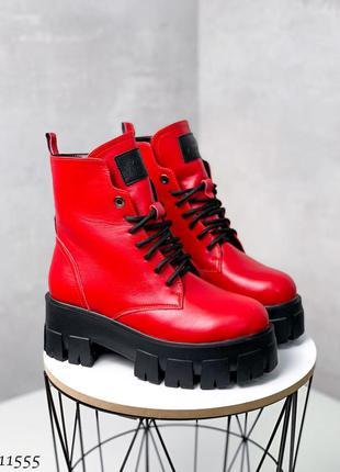 Женские кожаные зимние красные ботинки на массивной подошве,кр...