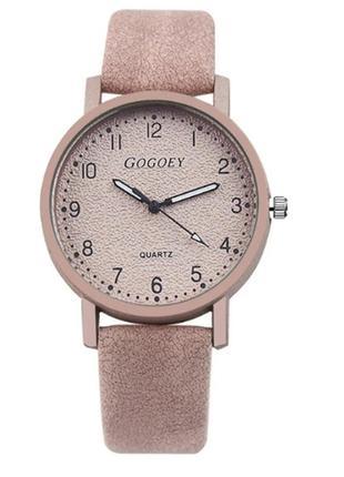 Женские наручные часы с кожаным ремешком