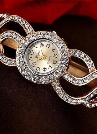 Наручные женские часы-браслет