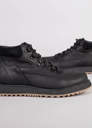 Мужские зимние ботинки на шнуровке