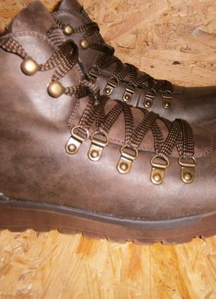 Ботинки  спортивные мужские коричневые зима