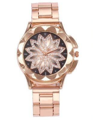 Наручные женские часы цвет розовое золото
