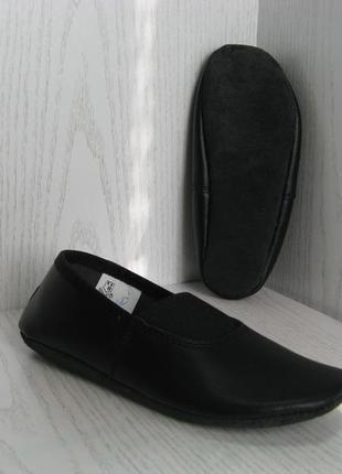 Чешки кожаные детские черные со стелькой