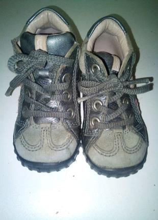 Ботиночки на малыша ессо
