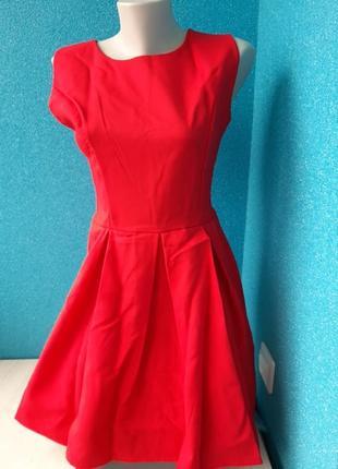 Стильное яркое эффектное женское платье куколка