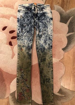 Шикарные джинсы hugo boss оригинал