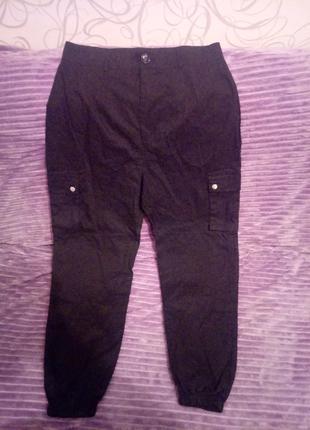 Фирменные женские штаны BOOHOO