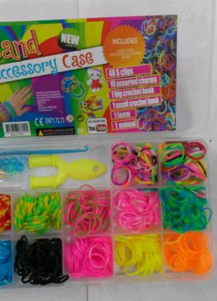 Набор резинок для плетения браслетов.