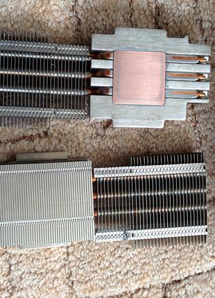 Серверный радиатор на медном основании и тепловых трубках.