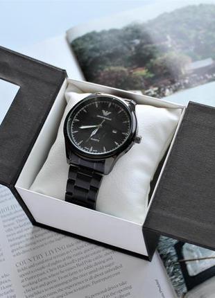 Мужские часы с черным циферблатом в коробке