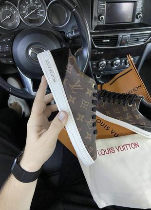 Женские кожаные кроссовки louis vuitton