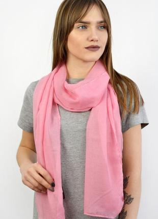 Небольшой легкий шарф розовый в наличии