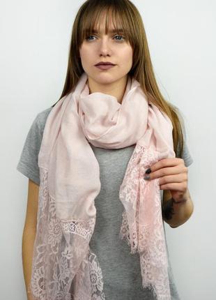 Праздничный нарядный ажурный шарф нежно розовый