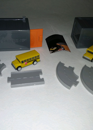Машинки driven pocket series by battat баттат гараж автобус школа