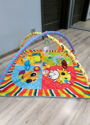 Игровой развивающий коврик с игрушками
