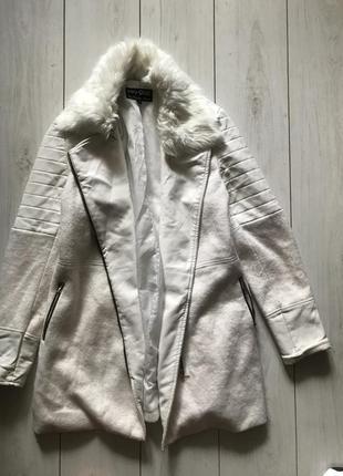 Шерстяное пальто с вставками из кожзама косуха с мехом