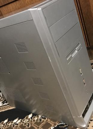 Комп'ютер/Комп 2 ядра /2 Гіга Оперативки+Монітор