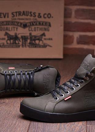 Кожаные зимние ботинки кроссовки на меху levis oregon olive