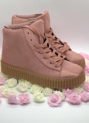 Розовые кеды ботинки на платформе