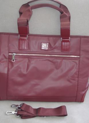 Очень практичная женская сумка бордового цвета