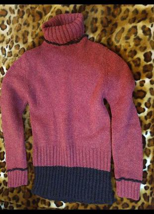 Теплый шерстяной свитер бордовый