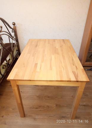 Продам обеденный стол из массива дерева-бук,в отличном состоянии!