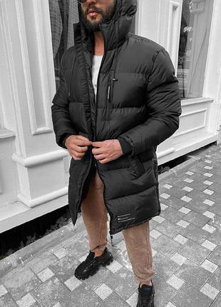 Мужская очень теплая зимняя удлиненная куртка черного цвета