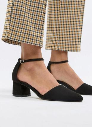 Туфли лодочки на низком блочном каблуке с острым носом асос asos