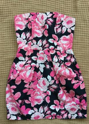 Платье с корсетом boohoo в яркие цветы