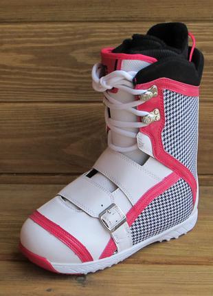 Сноубордические женские ботинки DC Shoes Sweep - BOA® (25.5см)