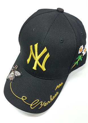 Женская бейсболка new york yankees