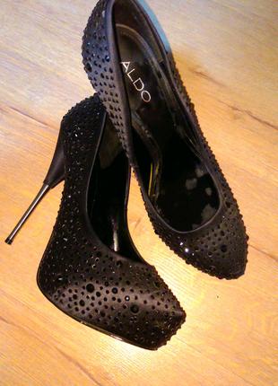 Туфли женские со стразами