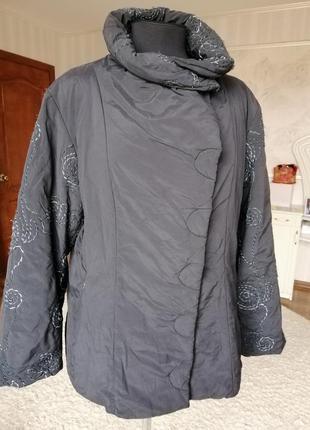 Стильная демисезонная куртка, размер 52-54-56.