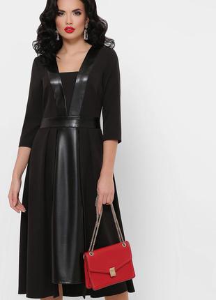 Платье черное с кожаными вставками