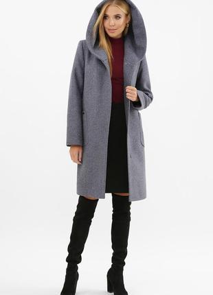 Пальто женское на поясе с капюшоном