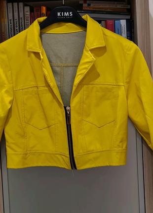 Укороченная куртка из эко кожи made in Italy original