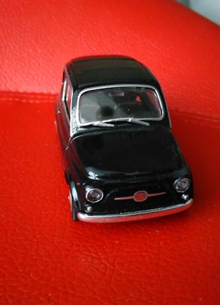FIAT NUOVO 500 1:42 - 1:43 WELLY