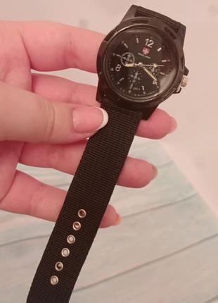 Часы наручные мужские черные
