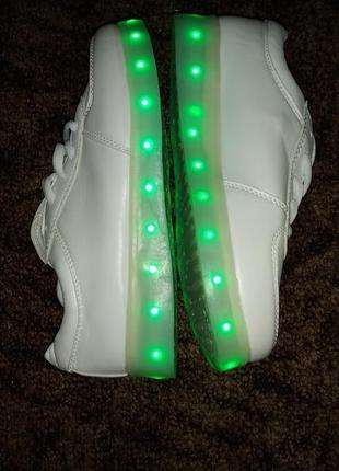 Led светящиеся кроссовки белые, с подсветкой унисекс siumlation